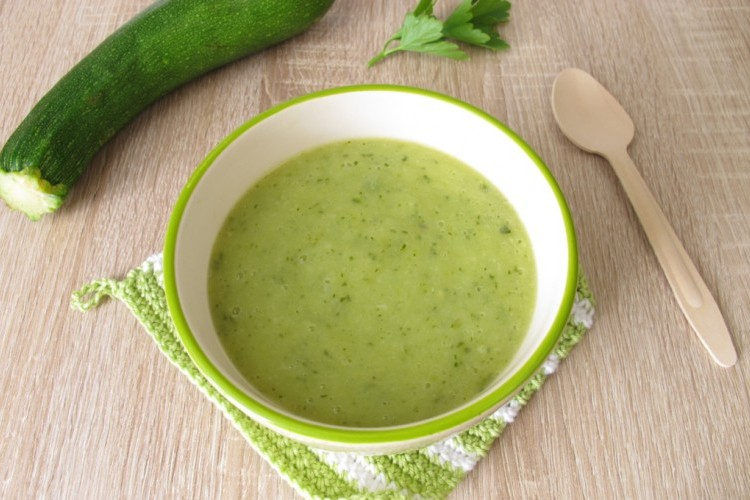 مشروب الكوسا والفاصوليا الخضراء لنحت البطن
