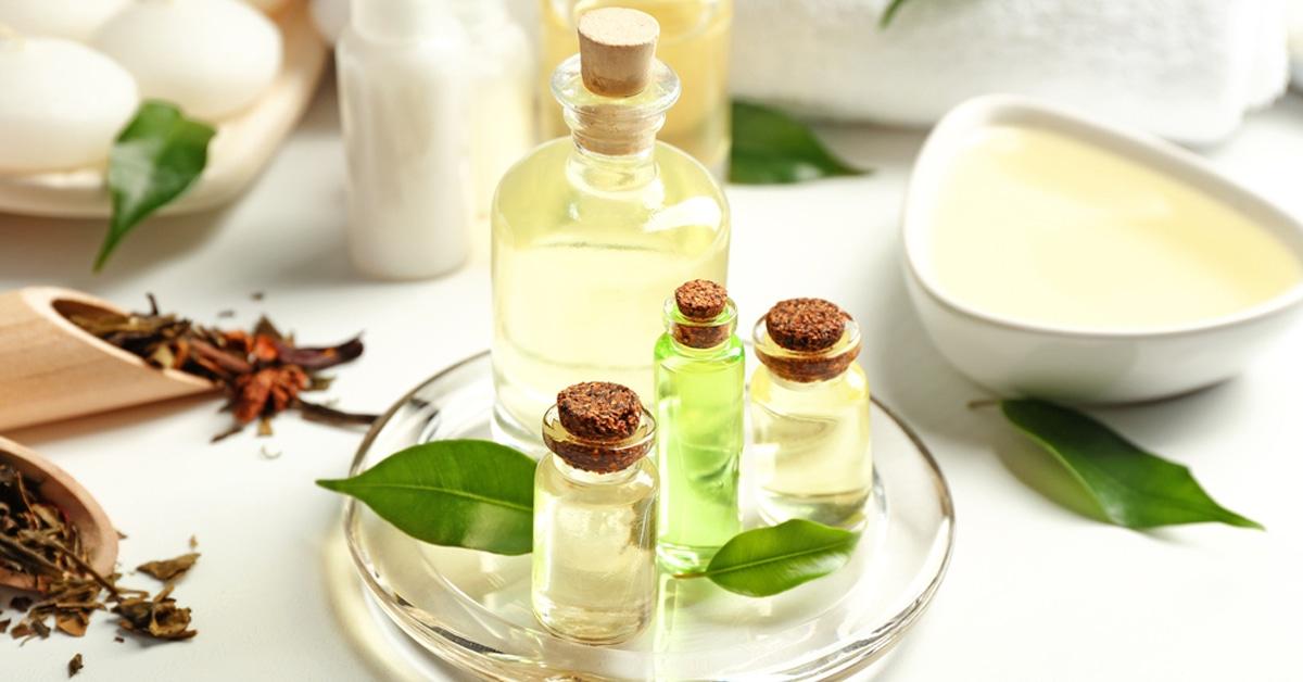 وصفة زيت شجرة الشاي وزيت جوز الهند لترطيب وتنعيم القدمين