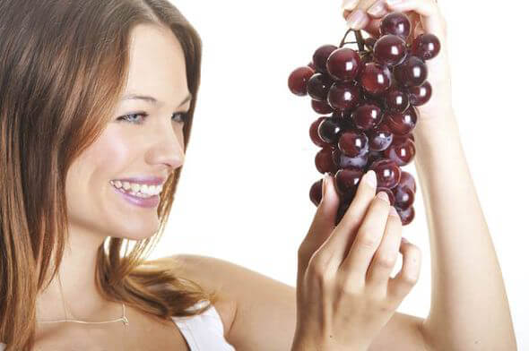 العنب الأحمر لتكبير المؤخرة