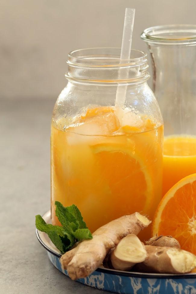 مشروب البرتقال والزنجبيل لتنقية الجسم من السموم