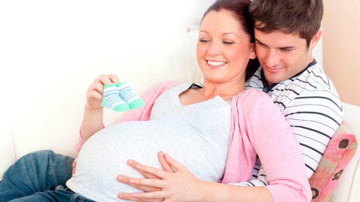 e6e7a8b7913a4 وسؤالها يتعلق بممارسة العلاقة الجنسية أثناء الحمل، خاصة وأن الزوج من  الأشخاص الذين يحبون ممارسة ...