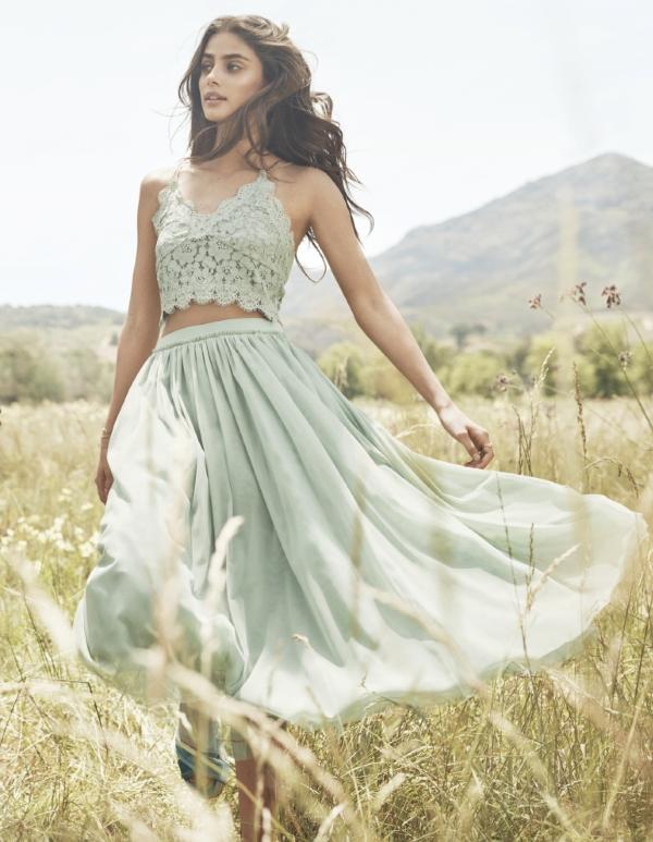 c8a1c8b9d تشكل مجموعة Spring Fashion مصدر إلهام للمرأة للمحافظة على جمالها الطبيعي ،  لتبقى محلات اتش آند ام وجهتها المفضلة لمواكبة آخر صيحات الموضة.