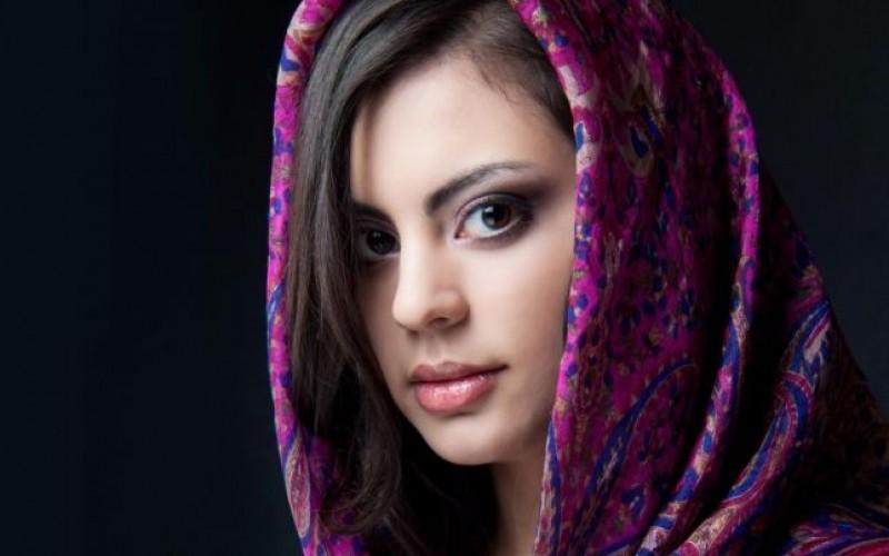أقنعة بسيطة تعتني بجمال وصحة شعر المحجبة