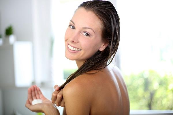 خلطات مبيضة ومرطبة لبشرة الجسم قبل الاستحمام