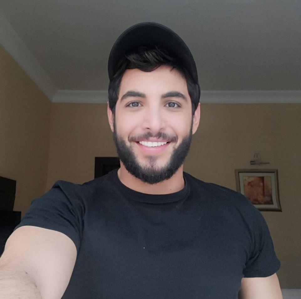 الممثل السوري الشاب بلال مارتيني يؤكد أنه بخير