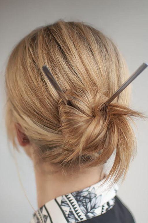 تسريحات شعر بسيطة وسهلة للبيت تجمع بين الأناقة والعصرية