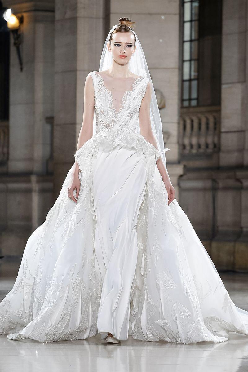 b19baec48 فساتين زفاف موضة ربيع 2019 من أسبوع الهوت كوتور، شاهدي جمالها