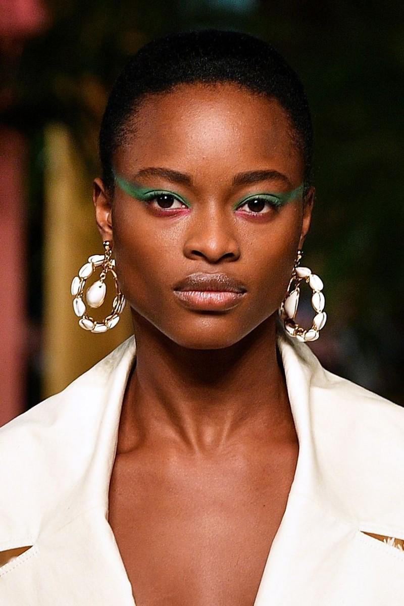 أجمل صيحات الجمال لربيع 2020