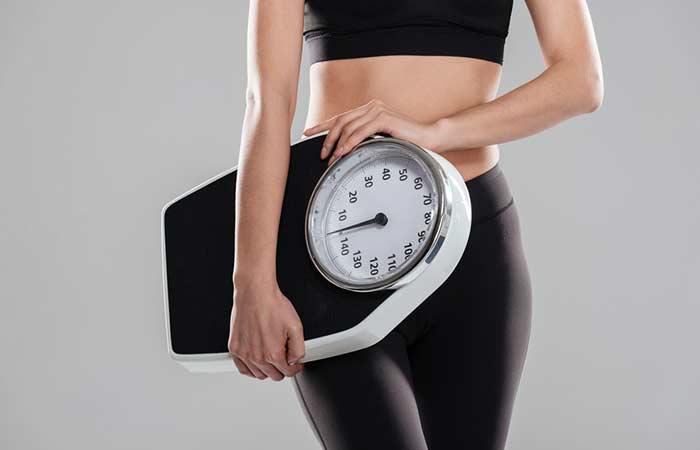 بذور الكتان بفعالية لتفتيت الدهون