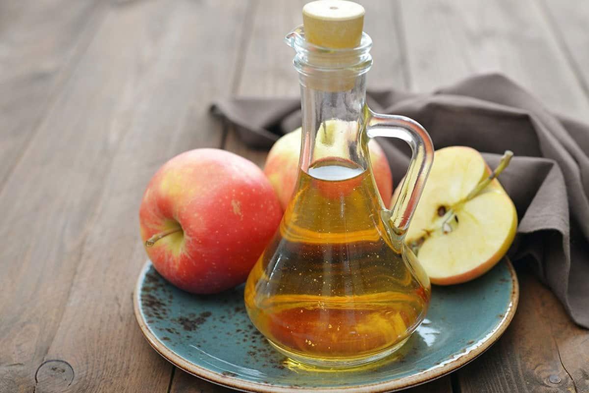 خل التفاح لتوحيد لون البشرة