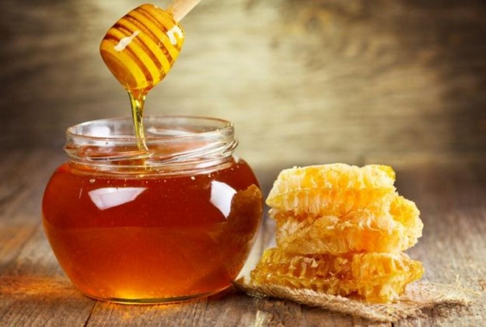 ملعقة صغيرة من العسل