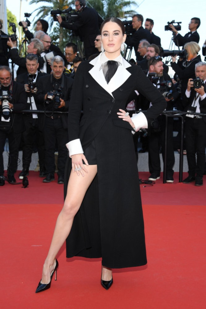 فساتين سوداء رائعة على نجمات مهرجان كان السينمائي