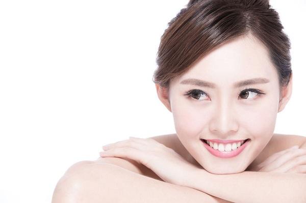 خلطات مضمونة لتبييض بشرة الوجه