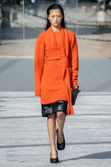 الكنزة الفستان موضة شتاء 2020