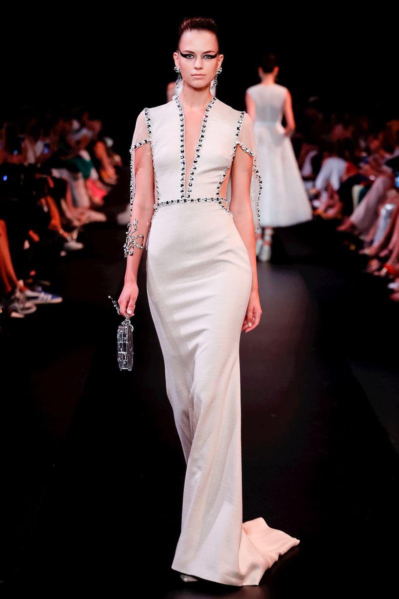 8f810aa9b9928 تتعاقب المواسم وتبقى صيحة الفساتين الـ Mermaid محتفظة بمكانتها ضمن أبرز  إتجاهات الموضة، وأبتكرتها ماركات مثل إيفا مينج Eva Minge وجورج حبيقة  Georges Hobeika ...
