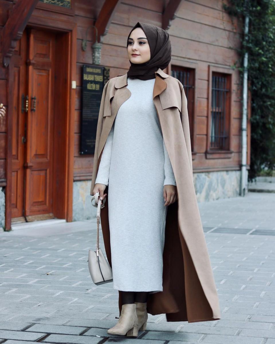 130cc9abaa0f6 ملابس محجبات موضة خريف 2018 من وحي مدونات الموضة