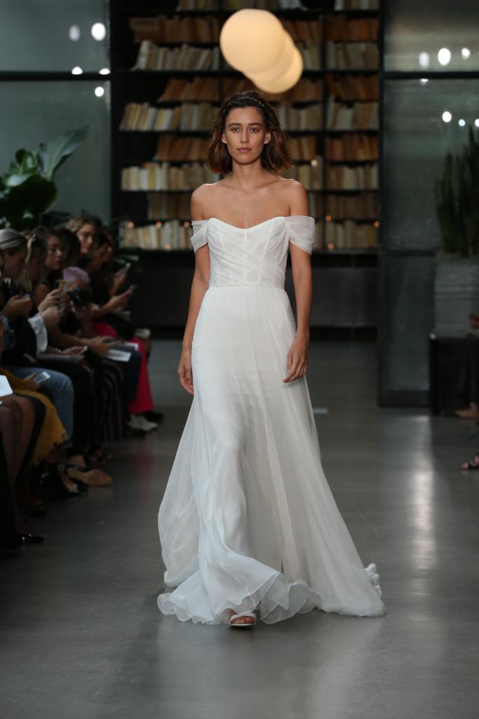 52461cccc9033 Amsale. ويمكن أن يكون فستان الزفاف الشيفون ...