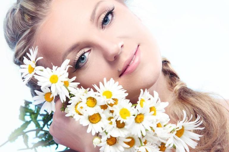 أقوى وصفات البابونج لعلاج حبّ الشباب
