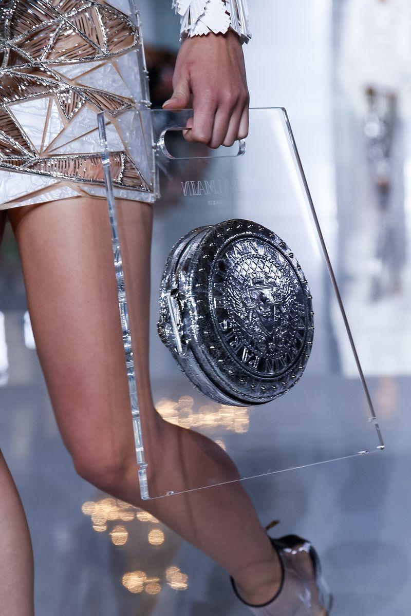 0deaeaf95 موديلات حقائب مجسمة غير تقليدية بعرض بالمان   مجلة الجميلة