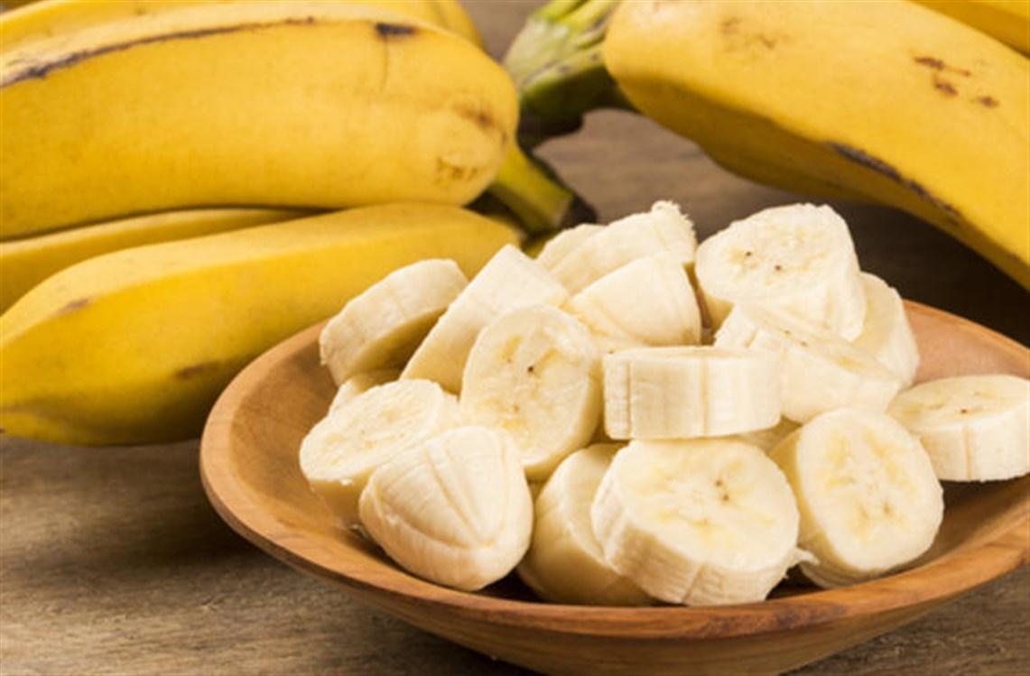 وصفة الموز والسكر لتقشير وتنعيم البشرة